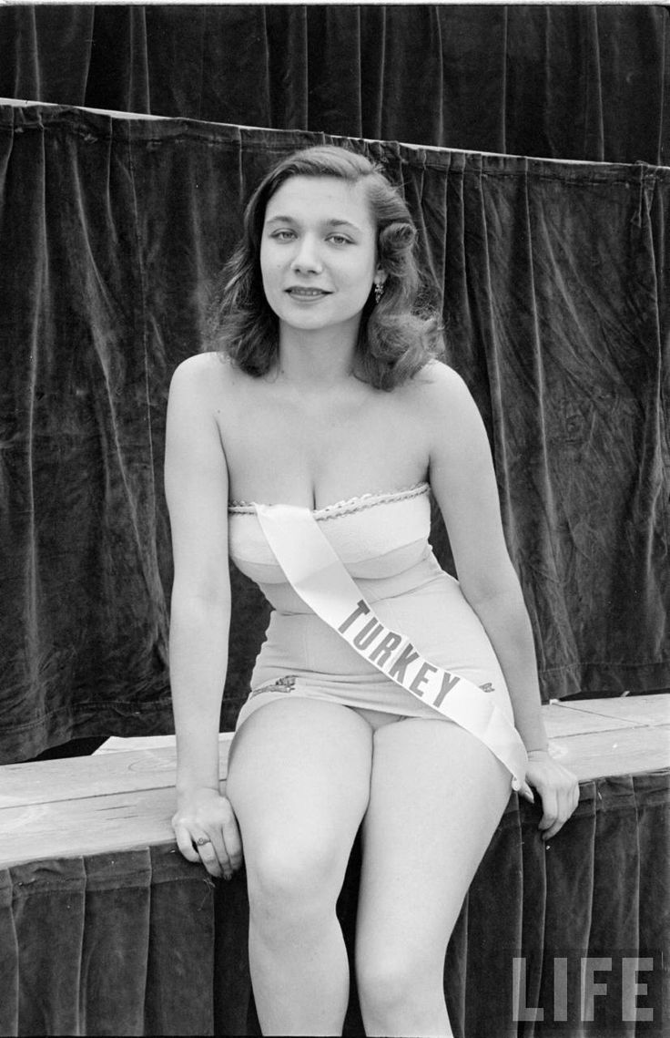 Gülengül Tayfuroğlu - The First Miss Universe Pageant, 1952. Miss Turkey