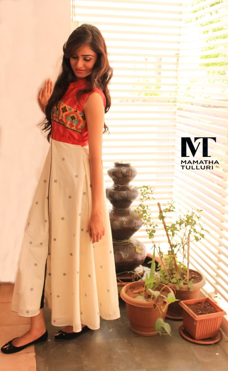 Looking how to protect yourself from the summer with style?  Own this fuss free easy chic look stimulating attire available at Mamatha Tulluri's, The Designer Studio  #handlooms #designerwear #weddingcollection #mamathatulluri #designs #classickurtis #handloomkurtis #designerkurtis #kurtidesigns #latestkurtis #kurtipatterns #handmadekurtis #partywearsuits #festivalsuits #festivalchudidhar #anarkalikurtis #anarkalisuits #anarkalisuitsets #anarkalisuitdesigns #straightlongsuits…