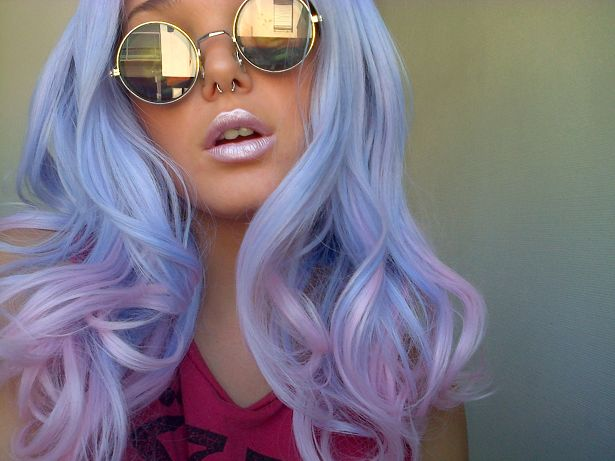 PERIWINKLE hair, cool looking white chick