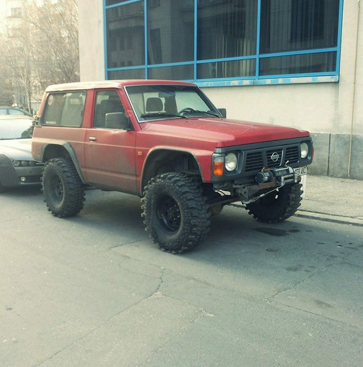 1987 Nissan Patrol GR. I want this.