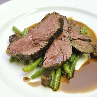 NAŠE KUCHYNĚ: Jelení kýta se zeleninou a rozmarýnem