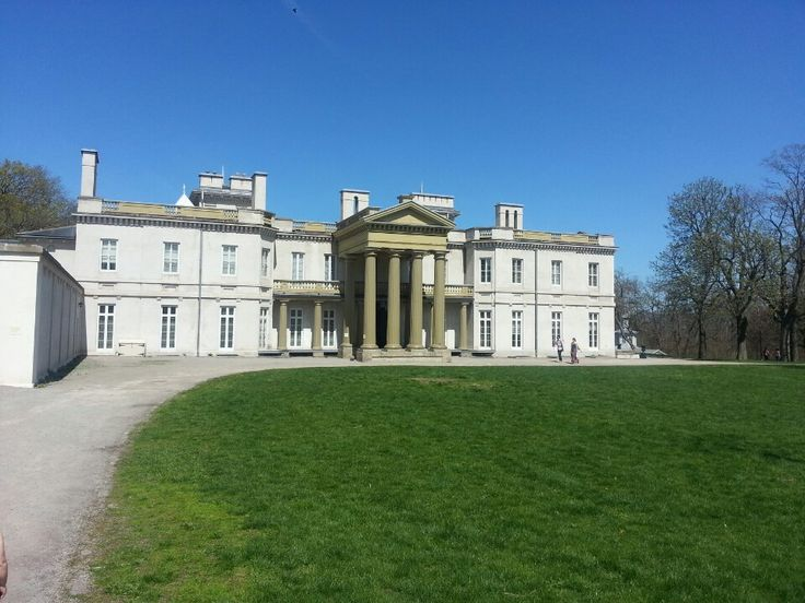 Dundurn Castle in Hamilton, ON