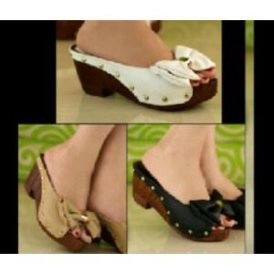 Sepatu Wedges Wanita ~ Motif Pita