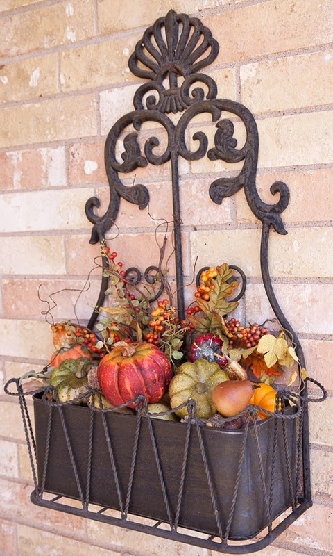 have one of these at our rental gonna go pick up some dollar tree decorations and will decorate for fall after living here 3 years lol - Halloween Rental Decorations