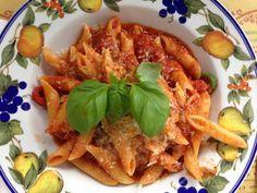 Op De Hippe Vegetariër vind je de allerlekkerste, simpele en snelle vegetarische recepten uit de Italiaanse keuken. Hier het recept voor pasta arrabiata!