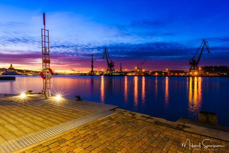 28 November 2016. Göteborg Sweden. #mikaelsvenssonphotography #swedenimages #sunrise_sunsets_aroundworld #thebestofscandinavia #sweden_photolovers #ig_mood #ig_masterpiece #visitsweden #västkusten #superb_photos #nikonpro #igersgothenburg #ig_week_scandinavia #visitgothenburg #mittgöteborg #goteborgcom #gbgftw #göteborg