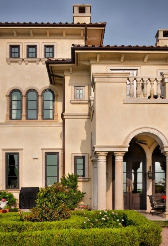 86 best 05 mediterranean style homes images on pinterest for Classic mediterranean house