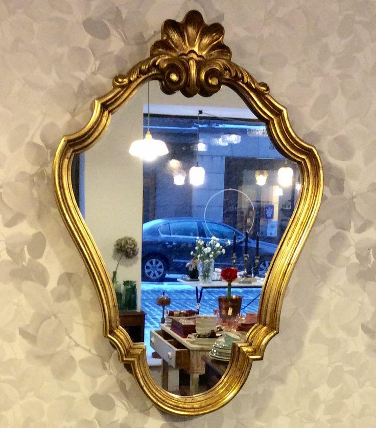 kultakehyksinen peili 50 luvulta Ranskasta . korkeus 57 . leveys 39.5 cm . @kooPernu