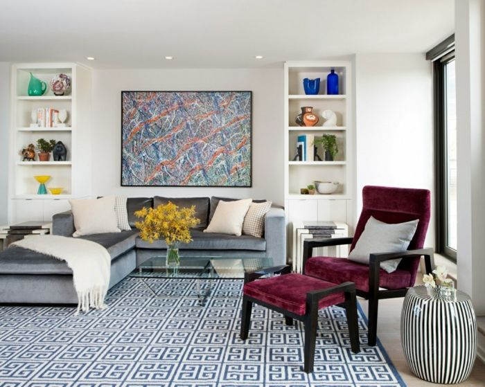 Kleines Wohnzimmer Einrichten Ecksofa Sessel Hocker Geometrischer Teppich