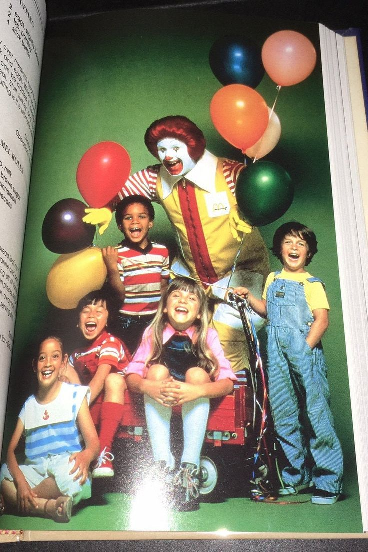 1988 McDonald's All Of Us Family Cookbook Hardcover Ronald