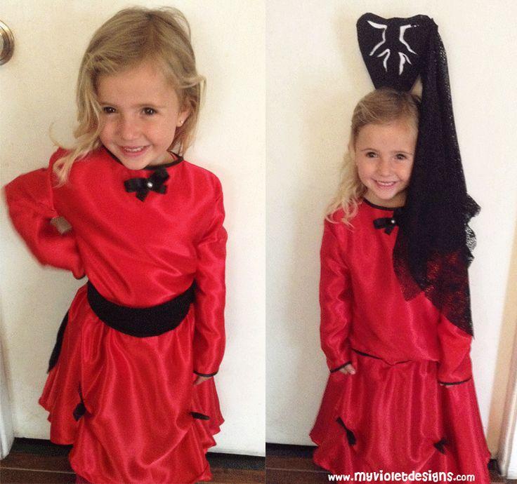 Día 2: Disfraz de Dama Antigua, vestido con lazo y vincha con peineta de fieltro y encaje. myvioletdesigns.com