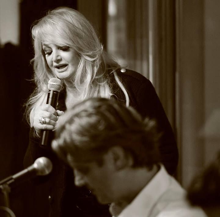 Bonnie Tyler in Paris on May 30th 2013 at the hotel #bonnietyler #gaynorsullivan #gaynorhopkins #thequeenbonnietyler #therockingqueen #rockingqueen #music #rock #2013 #bonnietylerfrance