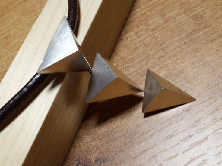 COLGANTE TRIANGULOS 3D/3D TRIANGLES PENDANT | BARCELONA BY BETH ROMA