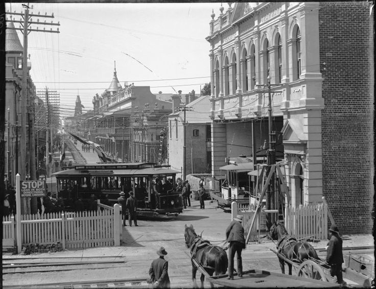 009605PD: Trams decorated with flags for the opening of the Fremantle Municipal Tramways, 30 October 1905.  http://encore.slwa.wa.gov.au/iii/encore/record/C__Rb2103096__S009530pd__Orightresult__U__X3?lang=eng&suite=def