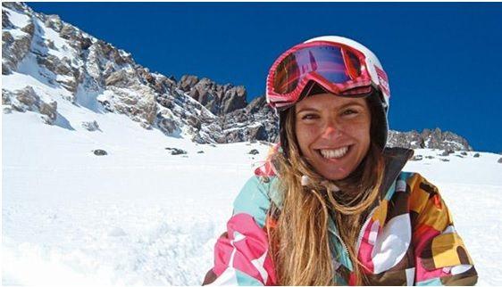 """Karina Olian é médica, apresentadora e atleta, reservou um espaço em sua agenda para nos contar quais foram os perrengues e sucessos atingidos em sua última aventura mundo afora, quando enfrentou o maior desafio da sua vida, ao chegar ao cume do Monte Everest. Lá, além de ver o mundo do alto, viu uma realidade...<br /><a class=""""more-link""""…"""