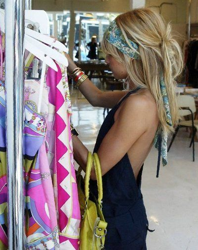 fun hairMessy Hair, Nicole Richie, Headscarf, Summer Hair, Cute Hair, Hair Scarf, Hair Style, Hair Color, Head Scarf
