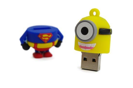 Minyon Pendrive (Superman) - CsakKütyük Webáruház