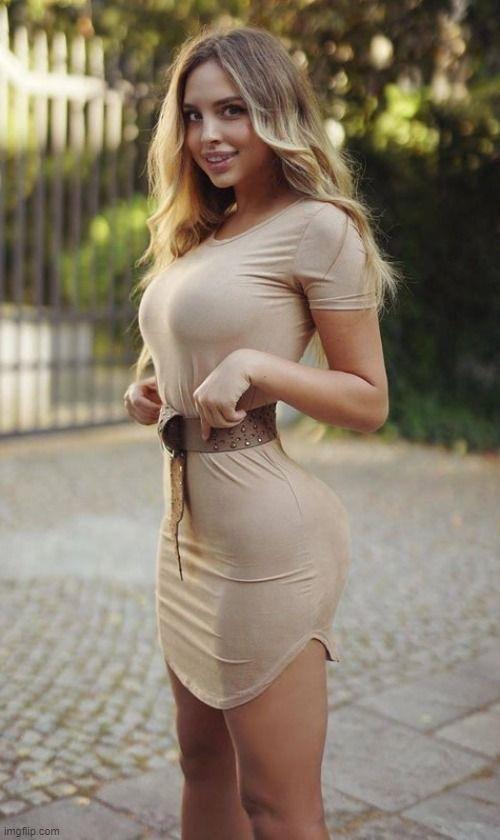 Beautiful Women In Tight Dresses