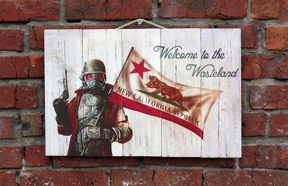 Ranger Fallout New Vegas. Картина на состаренных досках.