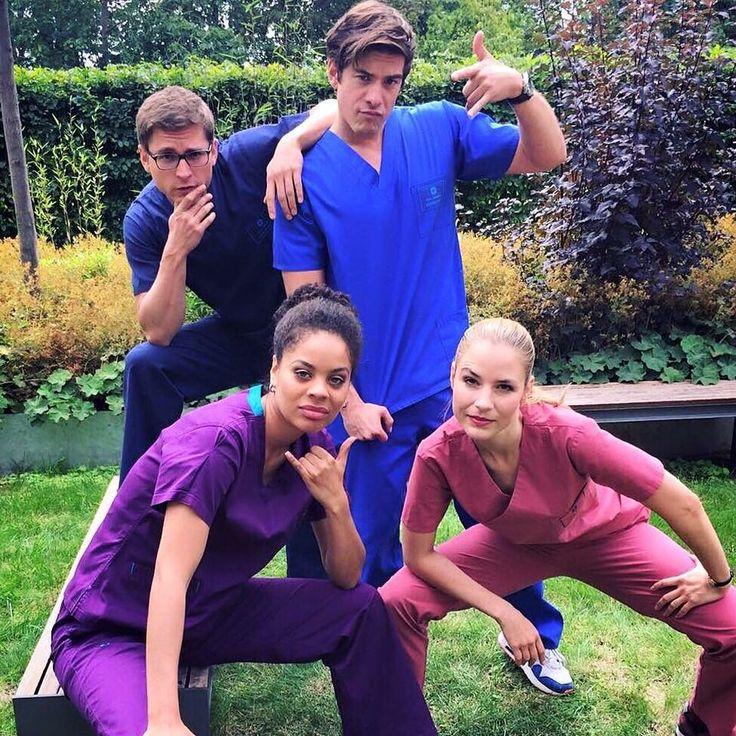 Die jungen Ärzte - Elias Bähr (Stefan Ruppe), Ben Ahlbeck (Philipp Danne), Vivienne Kling (Jane Chirwa) & Julia Berger (Mirka Pigulla) | Behind the scenes