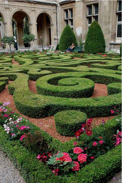 Elegant Gorgeous Parterre Garden.
