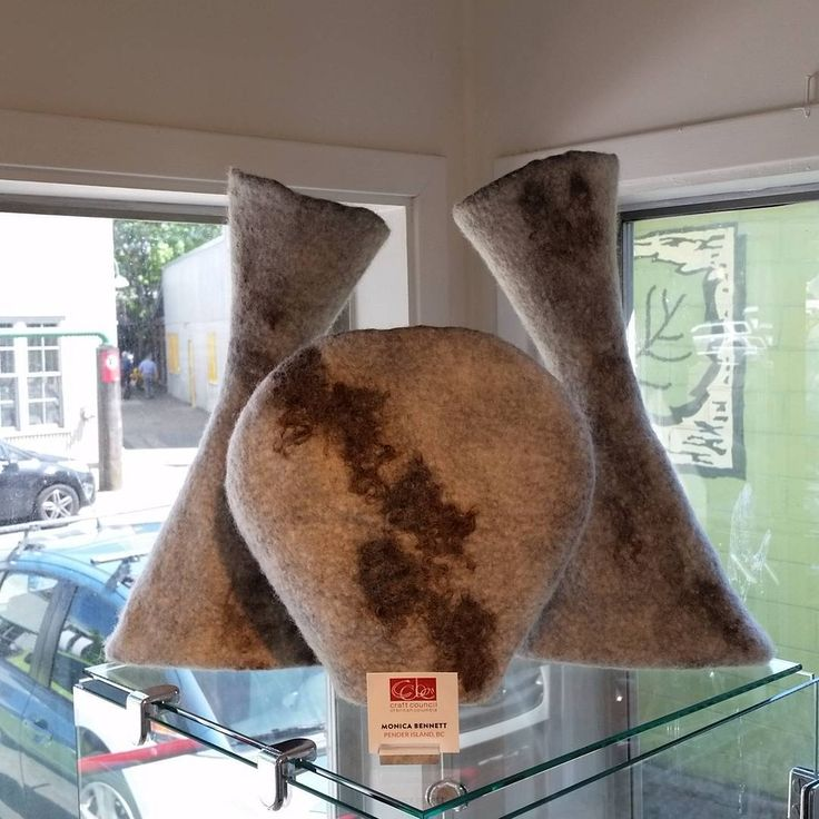 Almost looks like these are floating. My piece, Caribou Roaming, at Crafthouse Gallery today! #granvilleisland #craftcouncilbc #crafthouse #feltartist #felting #felt #feltart #feutre #filt #filtro #craftgallery#canadiancraft #canadianfeltart #monicabennettfelt