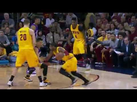 Kyrie Irving Spins and Crosses Up Jeremy Lin! - YouTube