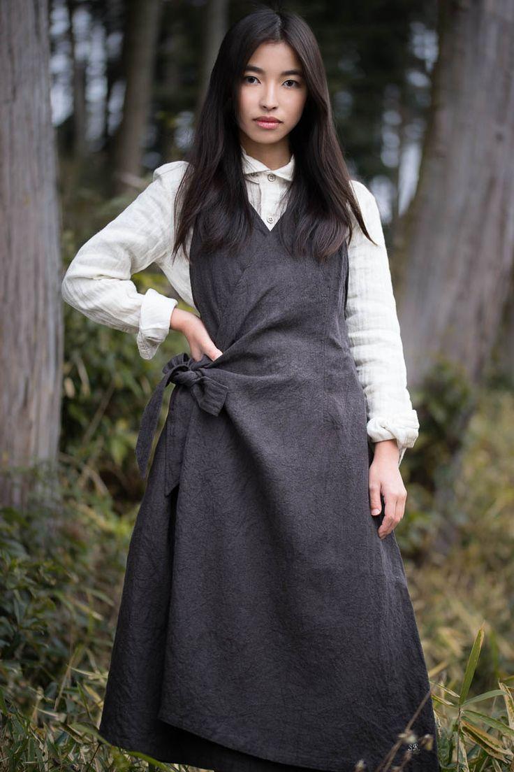 Linen dress by Sa-Rah, Japanese designer. Shot for @wabizest