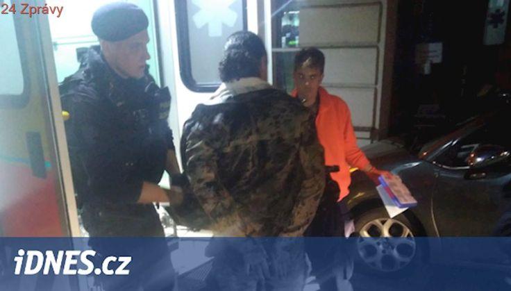 Zdrogovaný cizinec ujížděl v kradené dodávce, zastavil jej obrubník