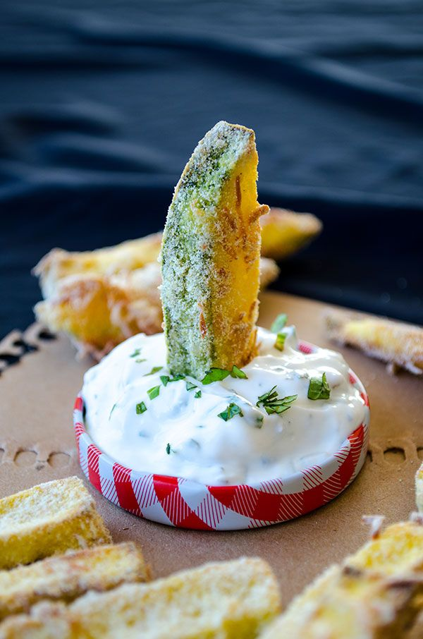 These zucchini sticks are crunchy on the outside and perfectly cooked inside. They are the healthier version of french fries as they are baked in oven with no oil. These are made with cornmeal, so they are glutenfree too.| giverecipe.com | #zucchini #snack #appetizer #glutenfree #fries