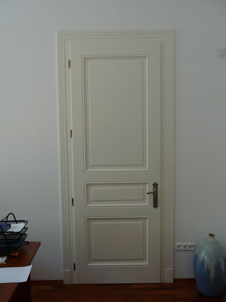 fedőfestett mdf klasszikus beltéri ajtó, mart borítással