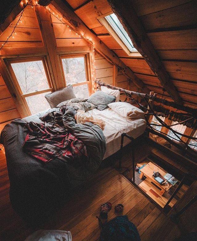 25 best ideas about cozy cabin on pinterest mountain for Cabin loft bedroom ideas