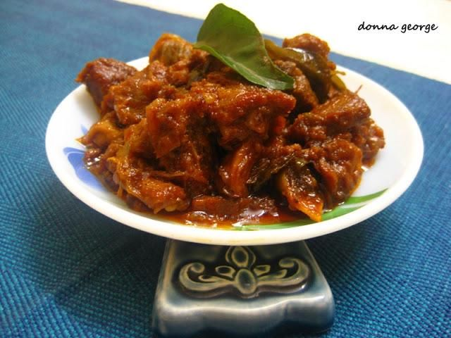It has been a while since I made mutton at home. As you already might know, lamb or mutton is a very famous meat in Kerala. Most people are very enthusiastic about dishes involving lamb. It is rich, soothing and just makes you happy at the end of the meal. Christmas is a season to be jolly, and also