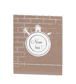 Originele verhuiskaart karton met bakstenen huisje boompje beestje #verhuiskaartje #verhuiskaart