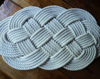 Cotton Bath Rugs ~ http://modtopiastudio.com/choosing-the-tropical-bath-rugs-to-decorate-the-bathroom/