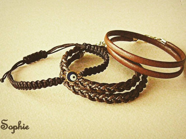"""140 """"Μου αρέσει!"""", 1 σχόλια - Sophie's world (@sophies_world.gkr) στο Instagram: """"Ανδρικά -unisex βραχιόλια μακράμε κ δερμάτινα σε καφέ αποχρώσεις  #bracelets #leather #braided…"""""""