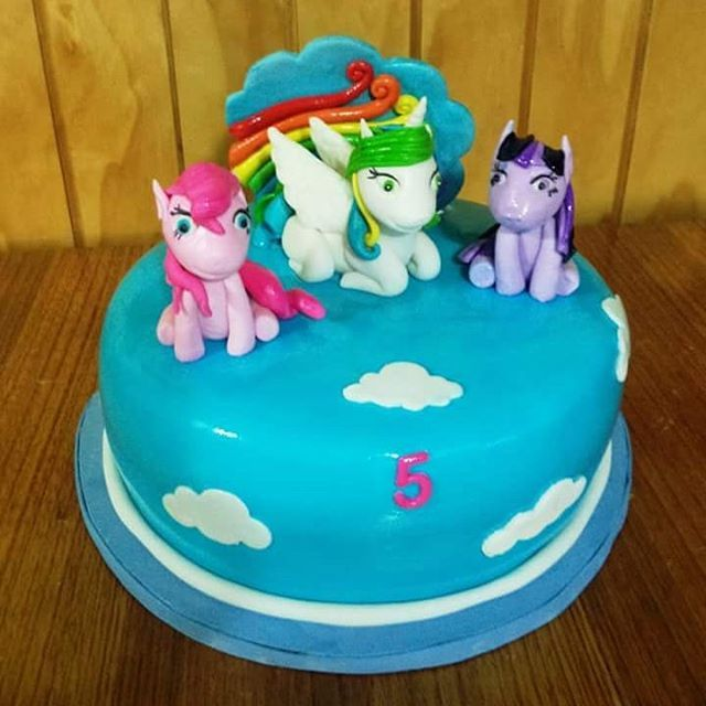 #MyLitllePonny #fodant #cake by Volován Productos #instacake #puq #Chile #VolovanProductos #Cakes #Cakestagram #SweetCake