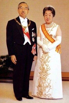 April 29. Showa Day ( Emperor Showa and Empress Kojun ) / 四月二十九日 昭和の日 ( 昭和天皇と香淳皇后 )