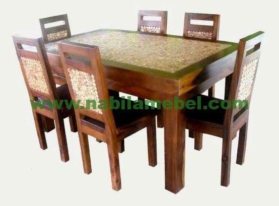 Set Meja Makan Trembesi merupakan produk terbaru mebel jepara yang merupakan perabot furniture jati dengan kualitas terbaik serta harga murah