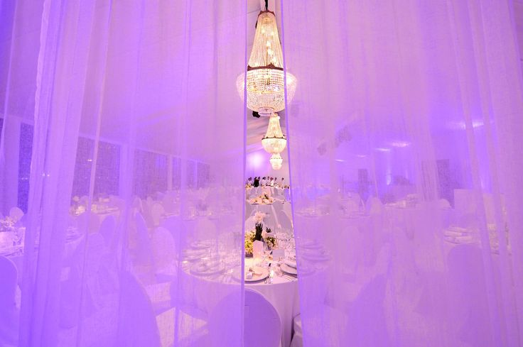 Wedding in a marquee? Why not rent these crystal chandeliers for an amazing effect. #decoration #wedding #dinner #marquee #lightning #exclusive #rental #chandelier