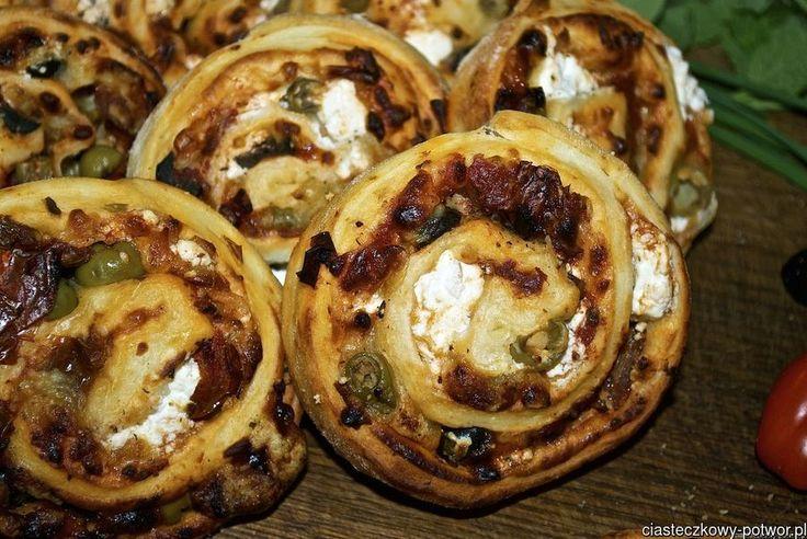 Drożdżowe ślimaki serowe
