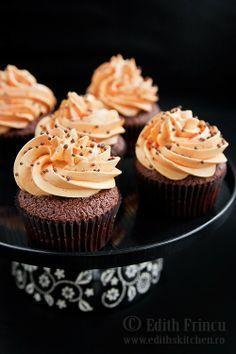 Cupcakes cu ciocolata si portocale