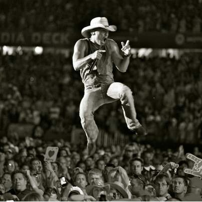 Kenny Chesney ...... on FIRE