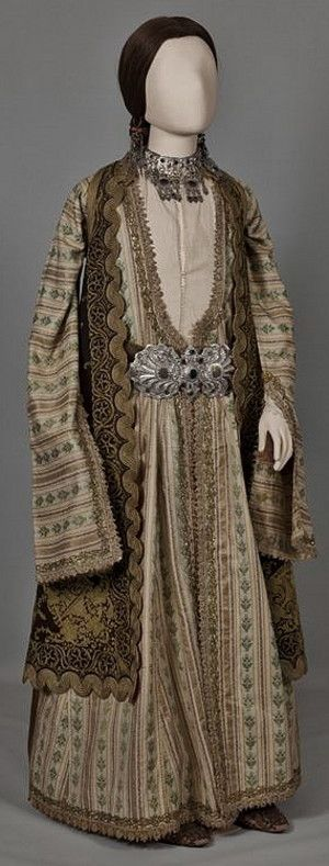 Urban festive costume of Ioannina, Epirus. Mid 19th century (© Peloponnesian Folklore Foundation, Nafplion, Greece).