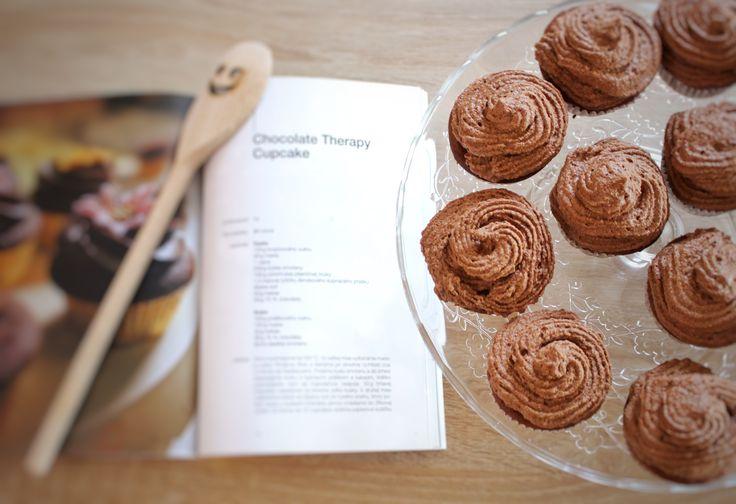 Narodeninové čokoládové cupcakes podľa Giraffe Bakery