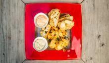 Saucijs van witvis met in knoflook gebakken gamba's en een Thaise saus   Navenant.tv