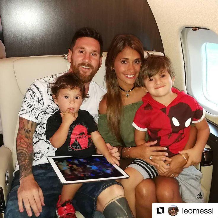 Leo Messi y Antonela ponen fin a su paradisiaca luna de miel con esta imagen junto a sus hijos, Thiago y Mateo.  #leomessi #messi#antonelaroccuzzo