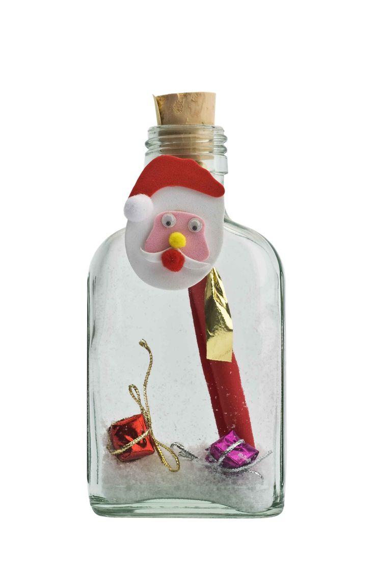De glazen flessenpost met laagje sneeuw, cadeautje en snap on kerstmannetje. Full colour geprinte uitnodiging. Leuk om te versturen, leuk om te krijgen ! #kerst #zakelijk #bedrijf #party #personeelsfeest #receptie #kerstfeest #originele #ideeen #kerstkaarten #inspiratie #kerstborrel #uitnodiging #uitnodigingen #flessenpost #diy #zelfmaken #kerstkaart #christmas