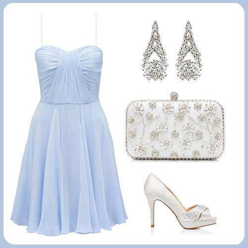 Couture koleksiyonunun en alımlı parçalarından biri olan bebek mavisi elbiseye sahip olmak ister misiniz? http://www.forevernew.com.tr/elbise/drz3757-ema-elbise_487_34516