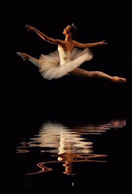 #tutu #reflection #ballerina #jump | ⊱Art & Dance | Pinterest